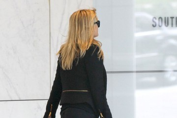 Reese Witherspoon Reese Witherspoon Heading To A Meeting In Los Angeles