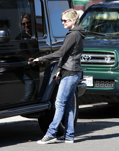 Renee Zellweger Actress Renee Zellweger spotted out and about in Santa Monica, CA.