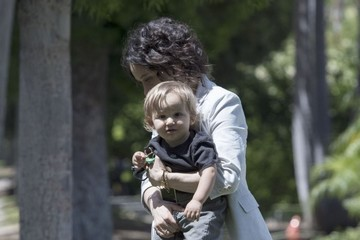 Rhodes Perry Sara Gilbert and Son Rhodes Visit a Friend in Beverly Hills