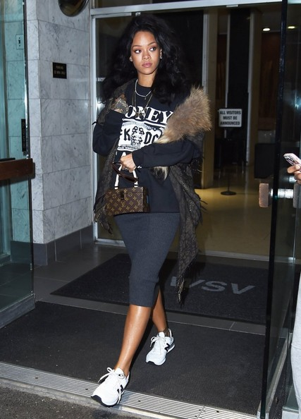 rihanna dating history zimbio Keri hilson keri lynn hilson (born december 5, 1982) is an american singer, songwriter, and actress she was born and raised in decatur, georgia and spent most of.