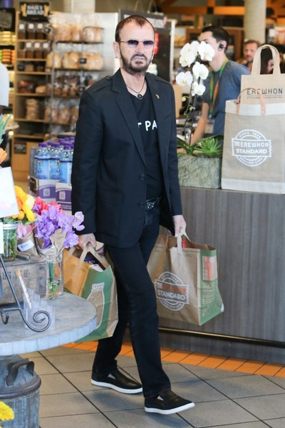Ringo Starr & Wife Shop in West Hollywood - 1 of 9