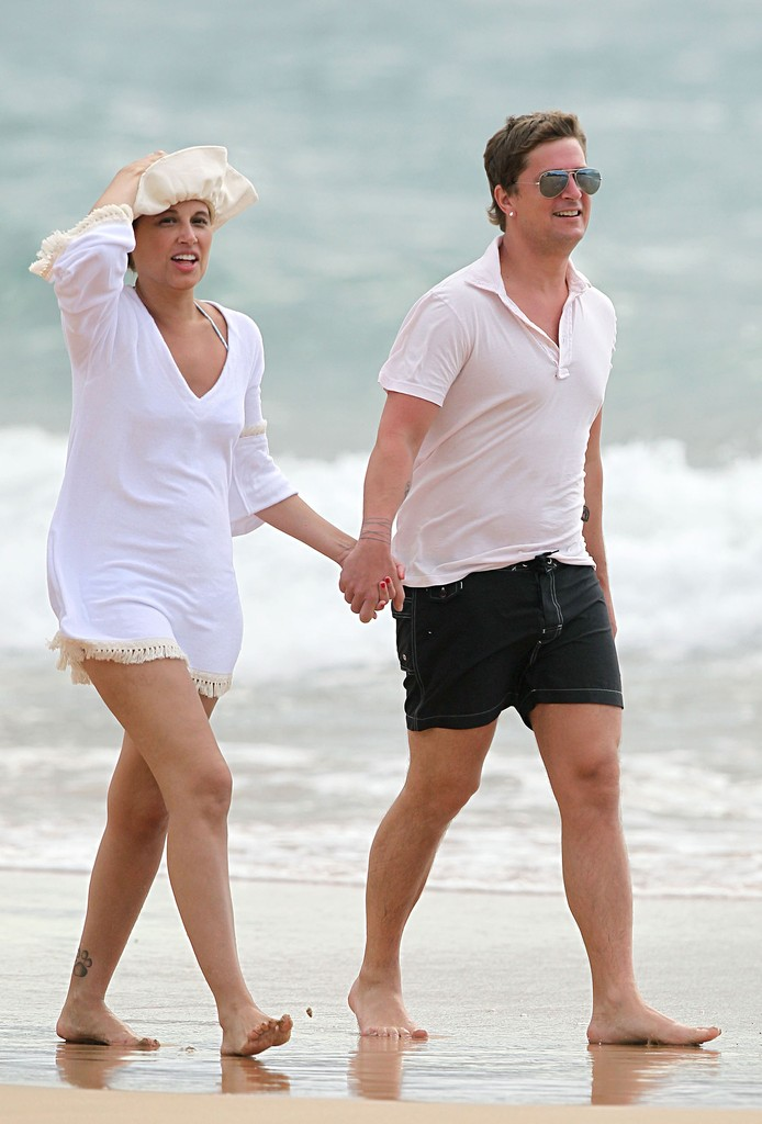 Marisol Maldonado Photos Photos Rob Thomas And His Wife Enjoy A Romantic Beach Stroll Zimbio
