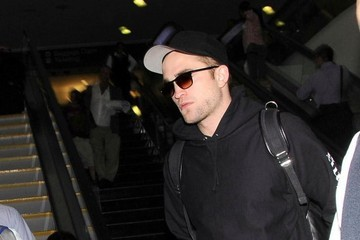 Robert Pattinson Robert Pattinson Arriving On A Flight At LAX