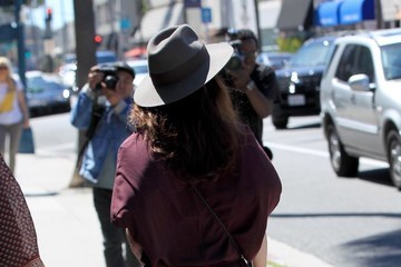 Robin Tunney Robin Tunney Grabs Lunch With a Friend