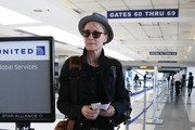 Robin Wright Catches a Flight