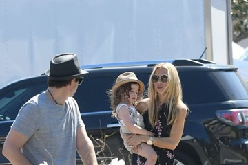 Rodger Berman Rachel Zoe and Her Family Enjoy the Farmer's Market in Los Angeles