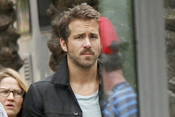 Ryan Reynolds Blake Lively Visits Ryan Reynolds on Set