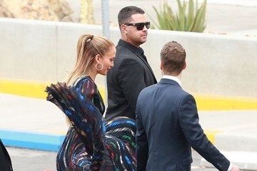 Ryan Seacrest Jennifer Lopez and Ryan Seacrest at the 'American Idol' Studios