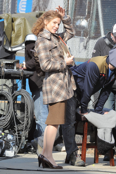 Actress Sandra Bullock films a scene with her co-star for 'Extremely Close and Incredibly Loud' in Brooklyn, NY.