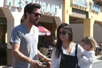 Scott Disick Kourtney Kardashian and Family Get Lunch