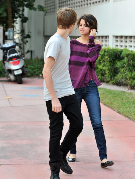 selena gomez and justin bieber at the beach together. justin bieber and selena gomez