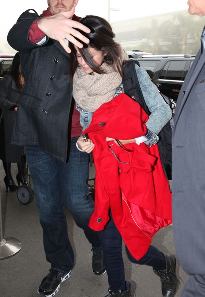 Selena Gomez Actress Selena Gomez arrives at LAX airport to catch a flight out of Los Angeles.