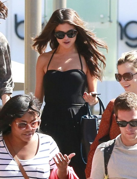Selena Gomez 'Come & Get It' singer Selena Gomez out for lunch at RockSugar Pan Asian Kitchen with friends at the Century City Mall in Century City, California on September 30, 2013.