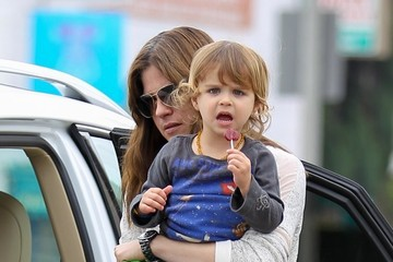 Selma Blair Selma Blair Takes Arthur to a Playdate