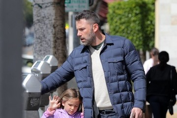 Seraphina Affleck Ben Affleck Out And About With His Daughters