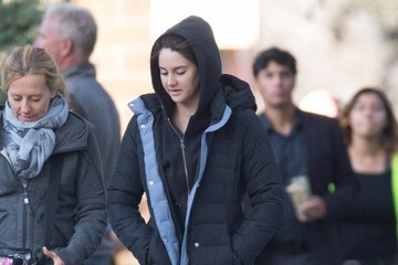 Shailene Woodley Stars Perform on the Set of 'Big Little Lies'