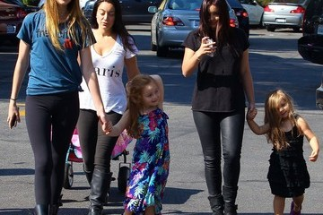 Shanelle Workman Ariel Winter Takes Another Trip to the Farmers' Market