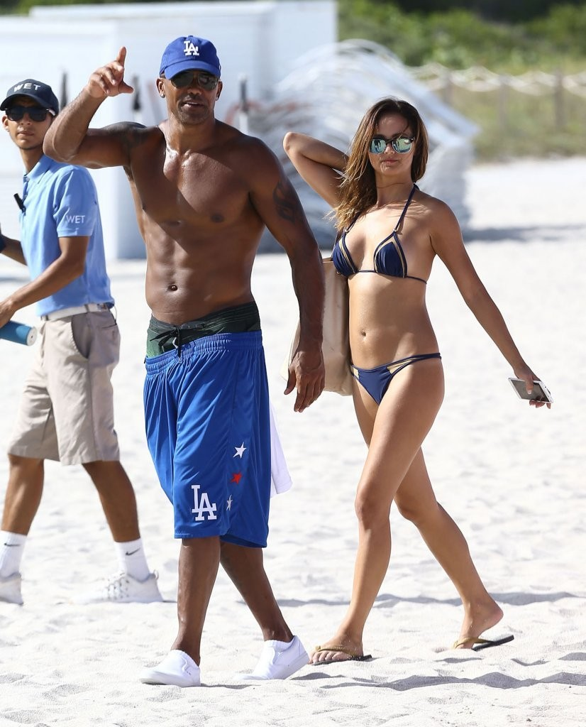 Shemar Moore Shows off...