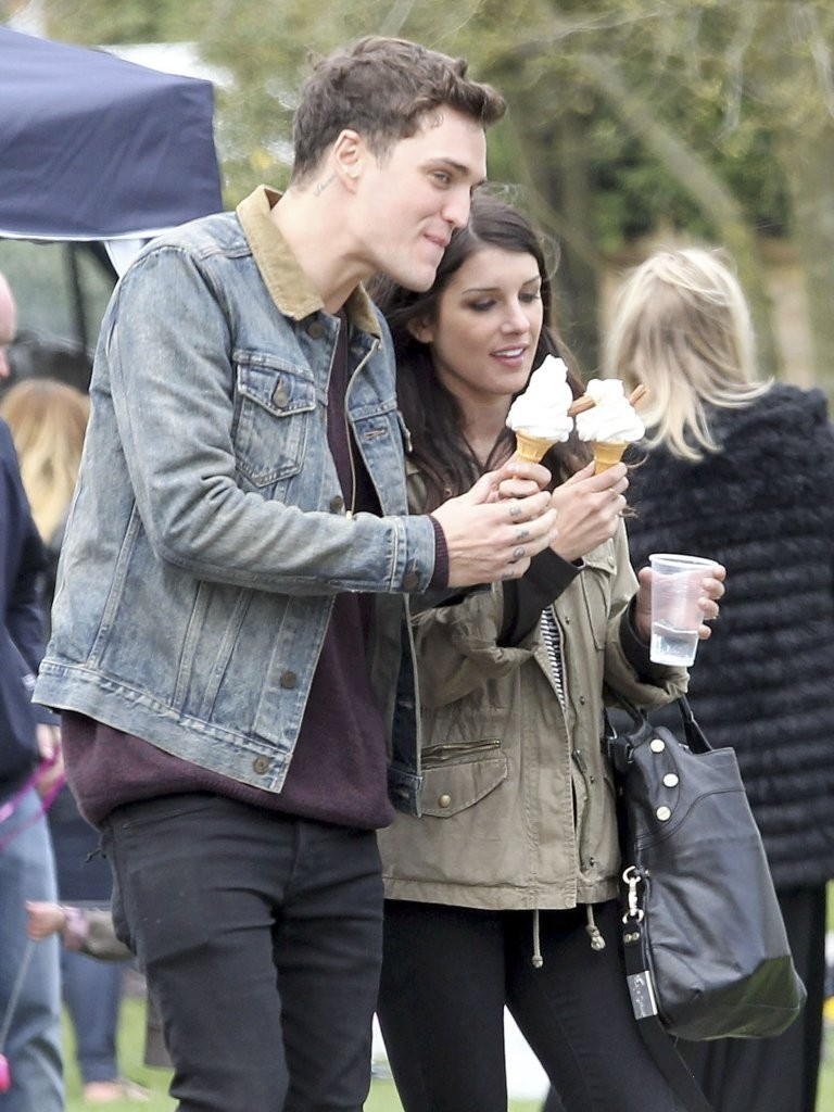 Shenae Grimes - Shenae Grimes And Josh Beech Are Loved Up in London