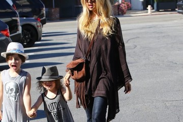 Skyler Berman Rachel Zoe and Her Kids Grab Lunch in LA