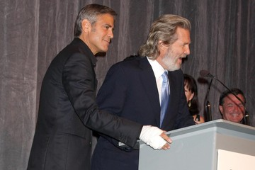 Jeff Bridges Stars At 'The Men Who Stare At Goats' Premiere In Toronto