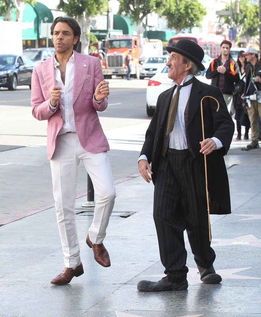 Eugenio Derbez Photos Photos Stars On The Set Of 'how To Be A Latin Lover