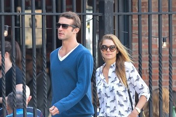 Stavros Niarchos Jessica Hart & Boyfriend Walking Through Soho