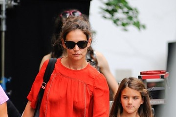 Suri Cruise Katie Holmes Brings Suri to the Set of 'All We Had'