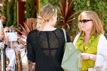 Susan Duff Hilary Duff And Family Out For Lunch In Beverly Hills
