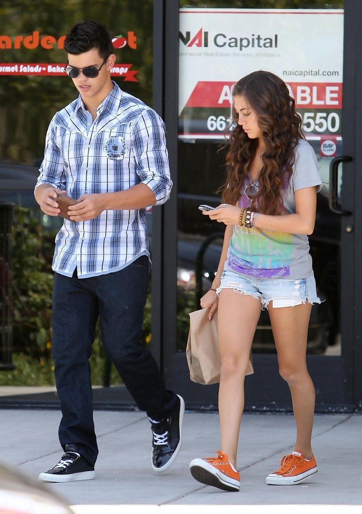 taylor lautner dating quiz A link to an external website would taylor lautner date you quiz submitted by a fan of taylor/jacob fan girls (9166297) join fanpop  dating him would be my .