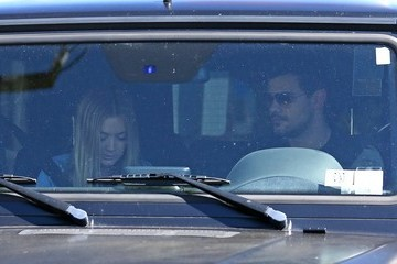 Taylor Lautner Taylor Lautner And Billie Lourd Seen Shopping At Fred Segal In Los Angeles