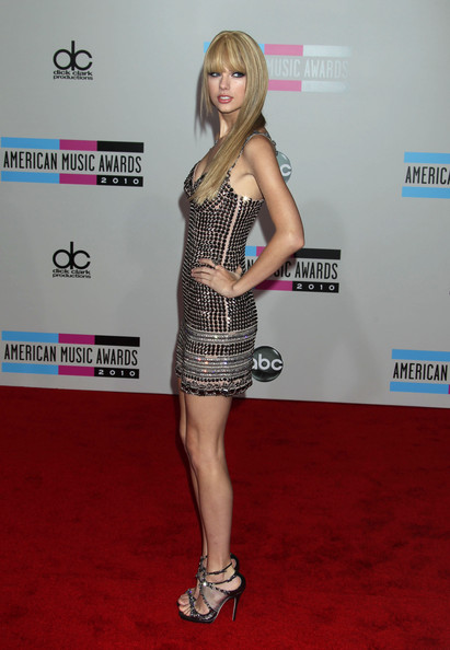 Taylor Swift Celebrities arrive at the American Music Awards at the Nokia Theatre LA Live in Los Angeles.