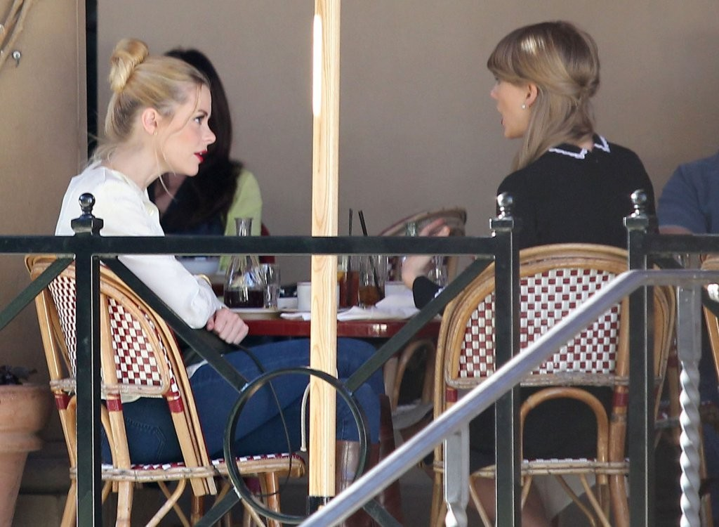 Taylor Swift & Jaime King Have Lunch And Do Some Shopping Together