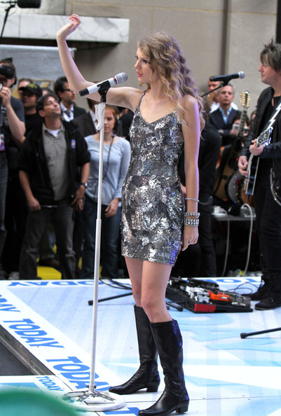 Taylor Swift Singer Taylor Swift performs on the TODAY Show in New York City.
