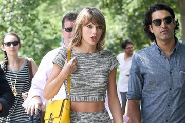 Taylor Swift Taylor Swift Out For A Stroll In Central Park