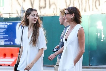 Teri Hatcher Teri Hatcher Hangs out with Her Daughter in NYC