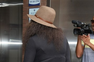 Tina Knowles Tina Knowles Heads to a Beverly Hills Salon