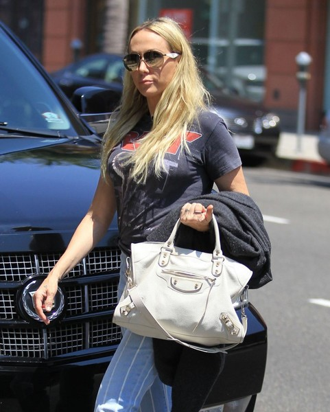 Tish Cyrus Stops By A Doctor's Office In Beverly Hills