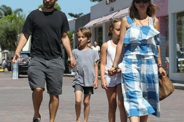 Tobey Maguire Jennifer Meyer Tobey Maguire Is Seen in Malibu With Family