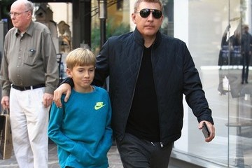 Todd Chrisley Todd Chrisley Takes His Son Shopping At The Grove in Hollywood