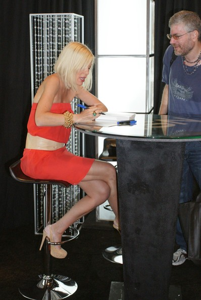 Tori spelling bright strapless dress meet and greet with hsn actress tori spelling signing copies of her new book uncharted territori and promoting her hsn jewelry line during a meet and greet at the planet m4hsunfo