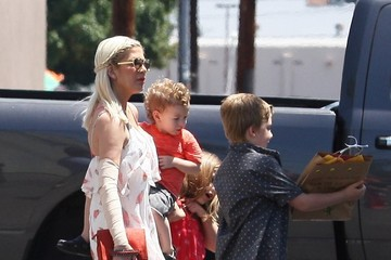 Tori Spelling Tori Spelling Spends Mother's Day With Her Family