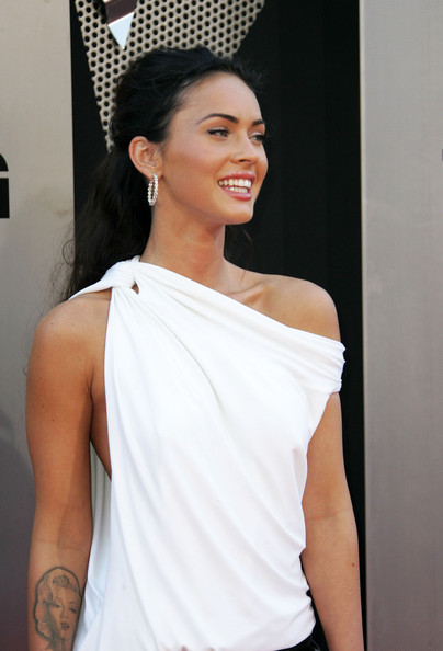 megan fox transformers 1 premiere. Megan Fox Celebrities walk the