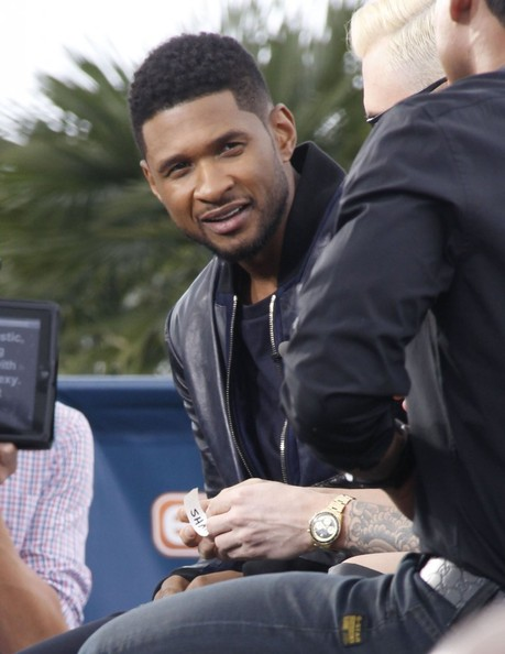 shakira dating usher Shakira's voice is very unique and she was able to teach contestants how to have a  usher, $7 million usher on the  partially because she started dating.