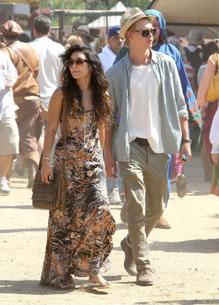After going out for lunch Vanessa Hudgens and boyfriend Austin Butler check out the Renaissance Fair in Los Angeles, California on May 20, 2012.