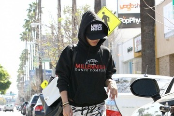 Vanessa Hudgens Vanessa Hudgens Runs Errands in LA