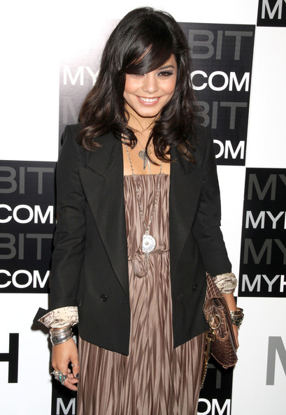 http://www1.pictures.zimbio.com/fp/Vanessa+Hudgens+MYHABIT+Launch+Party+CY4K_c1s78cl.jpg