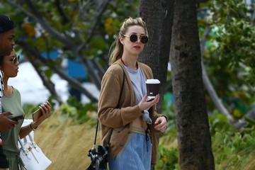 Whitney Port Whitney Port Gets Coffee During Art Basel