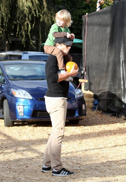 Will Arnett Takes His Boys to the Pumpkin Patch