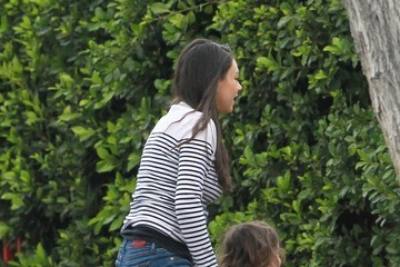 Wyatt Kutcher Mila Kunis Out In Studio City With Her Daughter